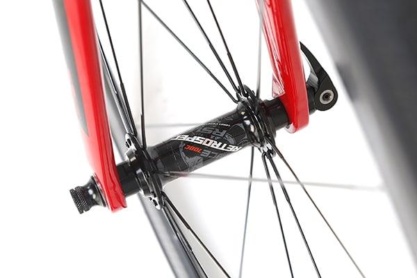 Tích hợp khóa thay bánh nhanh trên xe đạp twitter sniper 2.0