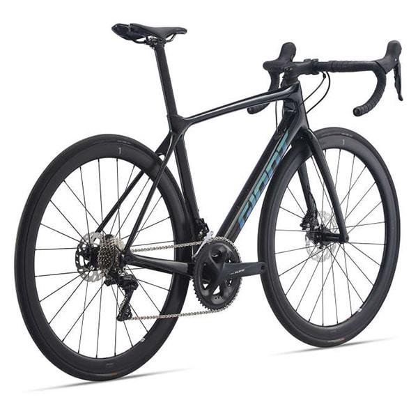 xe đạp đua giant propel chụp nghiêng