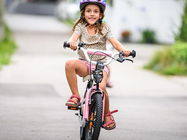 Đạp xe đạp giúp tăng cường hệ miễn dịch của trẻ